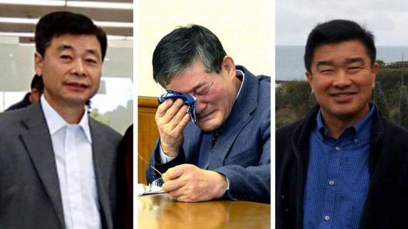 Ông Trump sẽ đích thân đón 3 tù nhân Mỹ được Triều Tiên thả - Ảnh 2.