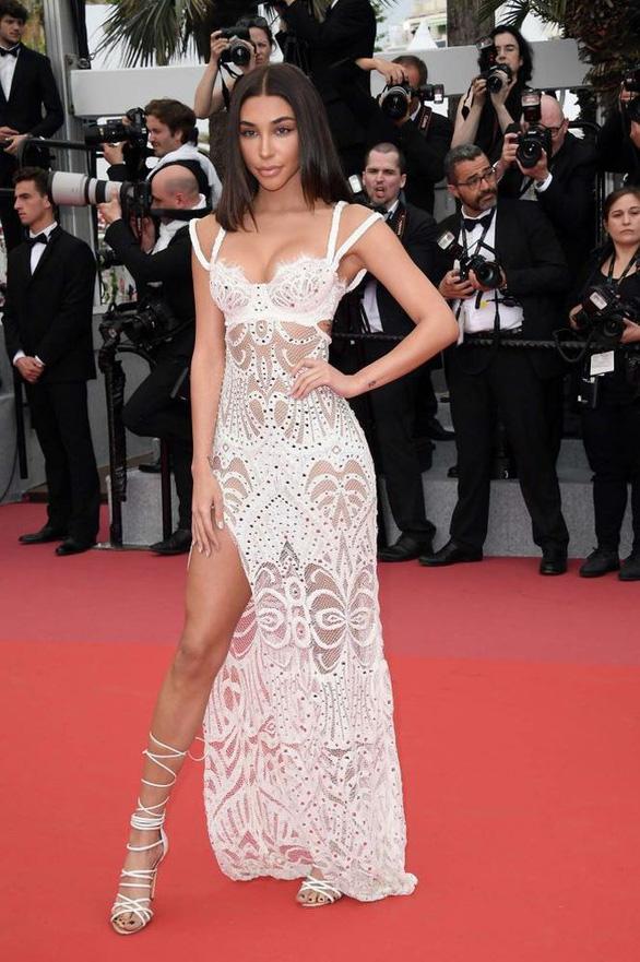 Dàn người đẹp vô danh và phản cảm trên thảm đỏ Cannes - Ảnh 9.