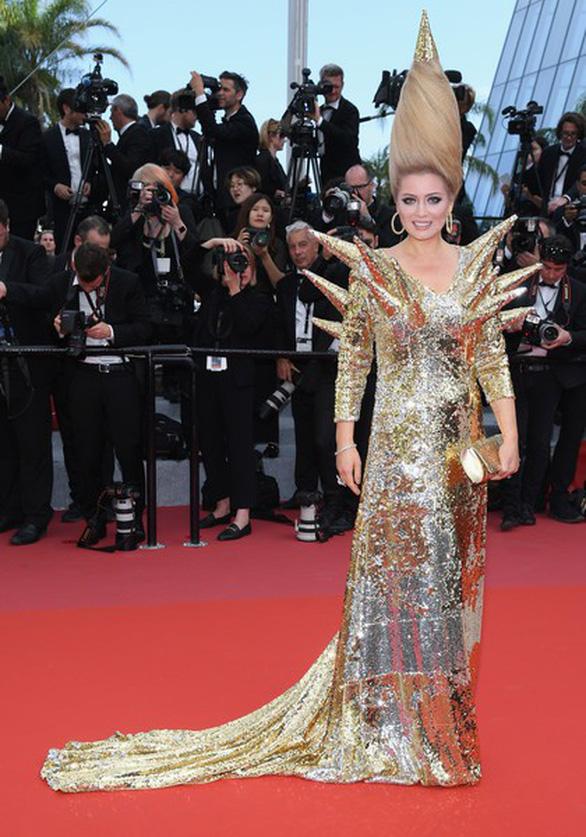 Dàn người đẹp vô danh và phản cảm trên thảm đỏ Cannes - Ảnh 4.