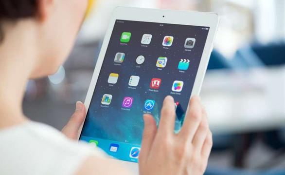 Apple gỡ bỏ ứng dụng chia sẻ trái phép vị trí thực người dùng - Ảnh 1.
