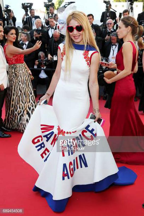 Dàn người đẹp vô danh và phản cảm trên thảm đỏ Cannes - Ảnh 11.
