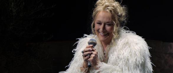 Cher và Meryl Streep tái hợp với Mamma Mia: Here We Go Again - Ảnh 3.