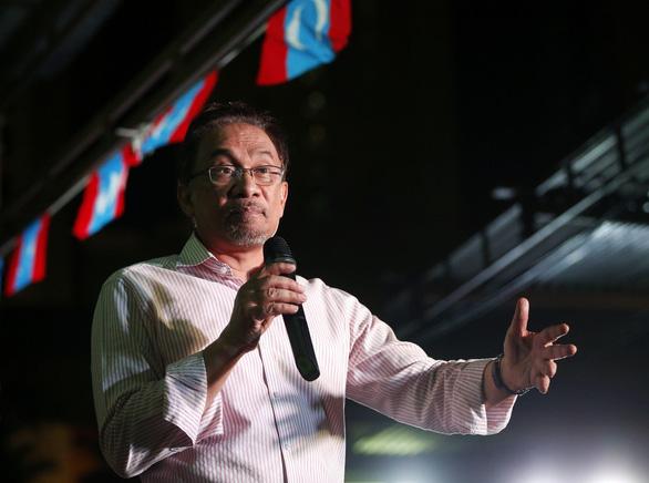 Vì sao người trẻ Malaysia ủng hộ thủ tướng 92 tuổi Mahathir? - Ảnh 3.