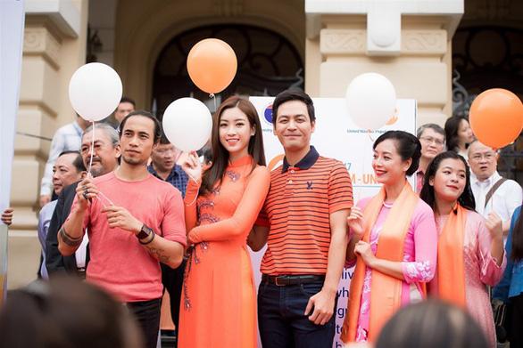 Quỹ dân số Liên Hiệp Quốc gỡ ảnh Phạm Anh Khoa khỏi fanpage - Ảnh 3.