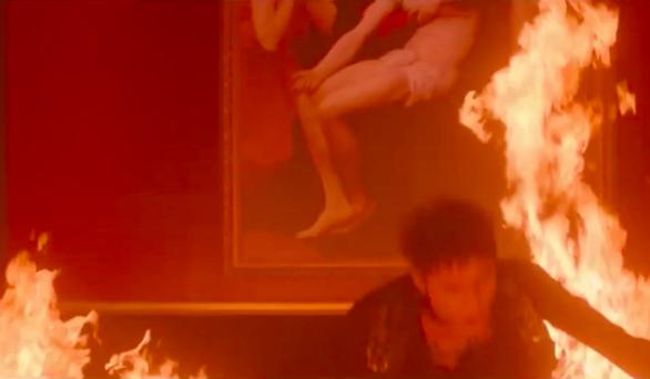 Đốt tranh Đức Mẹ sầu bi, Sơn Tùng M-TP có phải muốn đốt đền? - Ảnh 3.