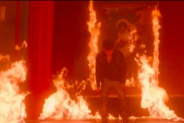 Đốt tranh Đức Mẹ sầu bi, Sơn Tùng M-TP có phải muốn đốt đền? - Ảnh 13.