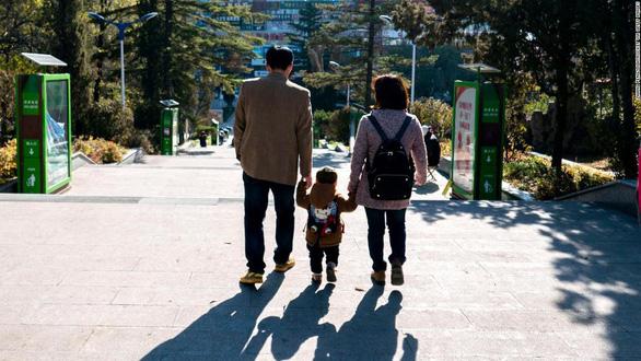 Ngày của mẹ: Khi phụ nữ vùi đầu làm việc đến quên làm mẹ, vô sinh - Ảnh 3.
