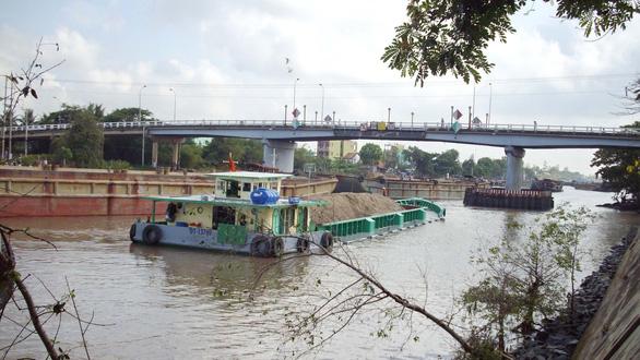 Cầu Chợ Gạo và đoạn kênh tử thần - Ảnh 2.