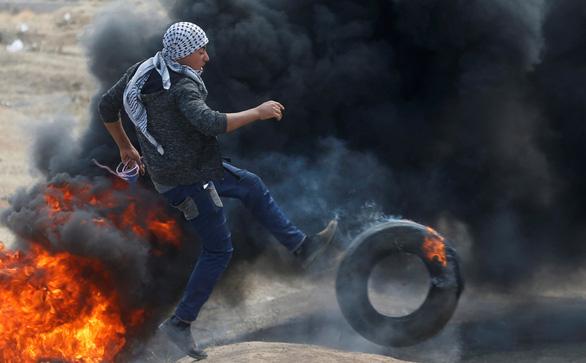 Gần giờ mở cửa sứ quán Mỹ, dân Palestine càng sôi sục căm giận - Ảnh 4.