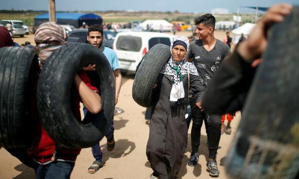 Gần giờ mở cửa sứ quán Mỹ, dân Palestine càng sôi sục căm giận - Ảnh 5.
