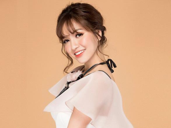 Ra cùng MV của Sơn Tùng, Bích Phương vẫn được khen và đạt kỷ lục - Ảnh 7.