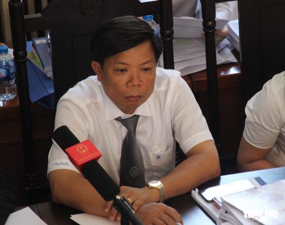 Xét xử bác sĩ Lương: Yêu cầu triệu tập cựu GĐ bệnh viện không được đáp ứng - Ảnh 3.