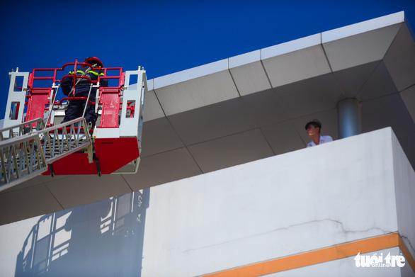Diễn tập đưa lồng bệnh nhi thoát khỏi đám cháy bệnh viện - Ảnh 6.