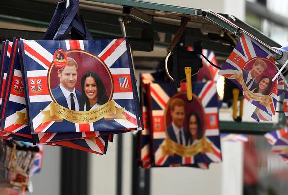 Harry - hoàng tử được yêu mến nhất nước Anh bị thờ ơ với đám cưới - Ảnh 2.