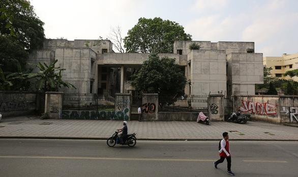Khu Nhà ma nổi tiếng Hà Nội bỏ hoang 27 năm có chủ mới  - Ảnh 1.