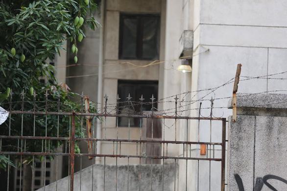 Khu Nhà ma nổi tiếng Hà Nội bỏ hoang 27 năm có chủ mới  - Ảnh 2.