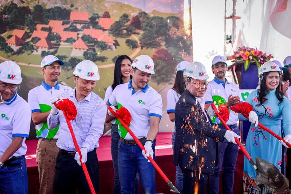 Phan Anh, Hoàng Thùy, Mâu Thủy lên núi xây trường Hiểu về trái tim - Ảnh 6.