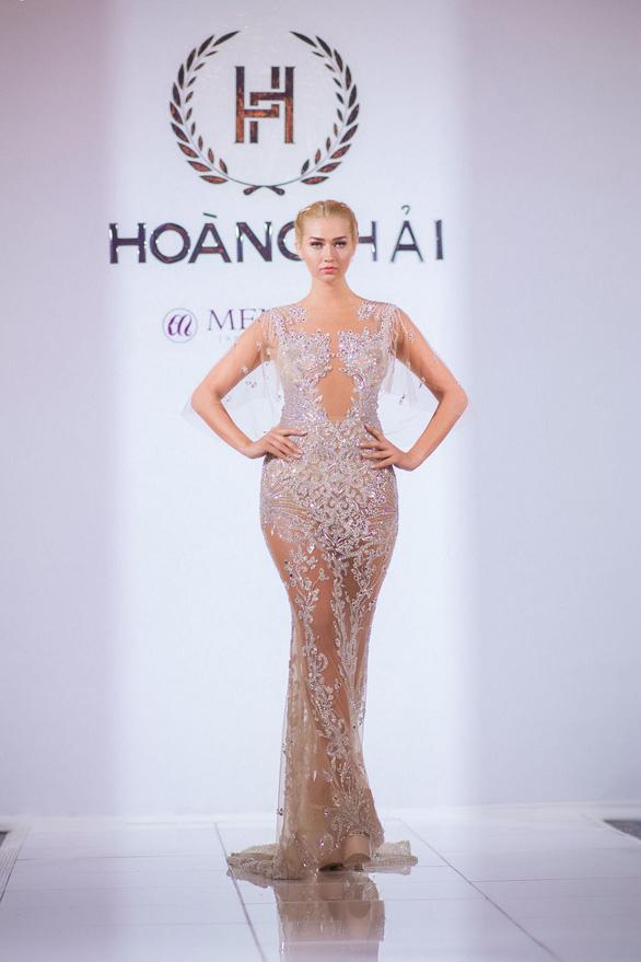 Nhã Phương, Mỹ Linh, Vũ Ngọc Anh trình diễn váy dạ hội ở Cannes - Ảnh 6.
