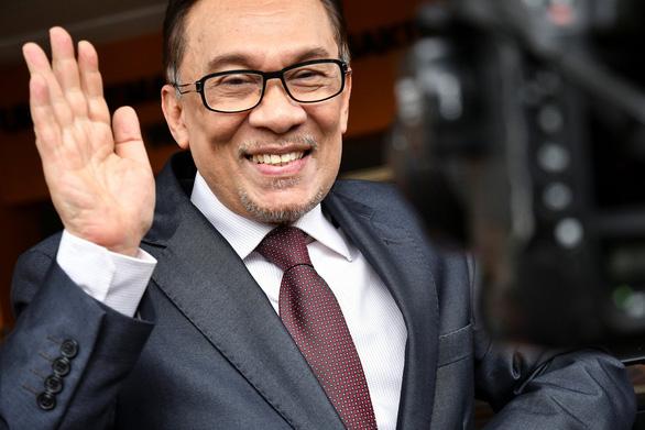 Chính trị gia đối lập Malaysia được nhà vua xóa sạch tội - Ảnh 1.