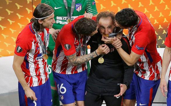 Atletico Madrid ăn mừng chức vô địch Europa League - Ảnh 9.