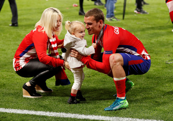 Atletico Madrid ăn mừng chức vô địch Europa League - Ảnh 5.