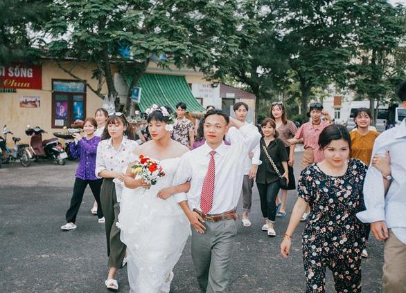 Ảnh kỷ yếu phong cách 'đám cưới miền quê' của teen Hải Phòng - Ảnh 6.