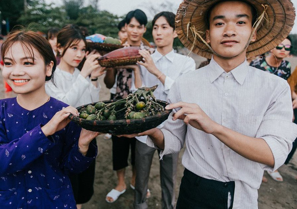 Ảnh kỷ yếu phong cách 'đám cưới miền quê' của teen Hải Phòng - Ảnh 8.