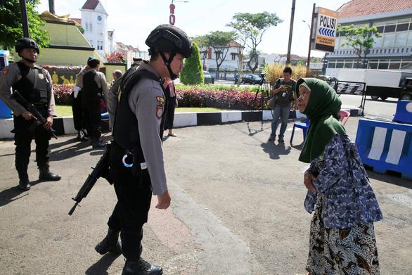 Indonesia lo sợ kiểu dùng con nít tấn công khủng bố - Ảnh 3.