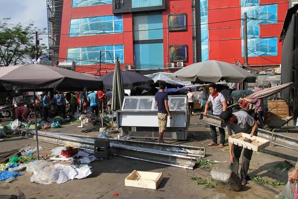 Hà Nội phá dỡ loạt nhà hàng sang chiếm đất mương cống hóa - Ảnh 4.