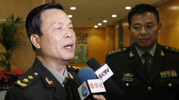 Giấu chuyện con gái lấy chồng ngoại, tướng Trung Quốc bị giáng 8 cấp - Ảnh 1.