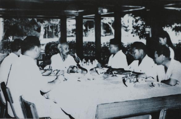 Triển lãm 60 năm nhà sàn Bác Hồ trong Phủ Chủ tịch - Ảnh 7.
