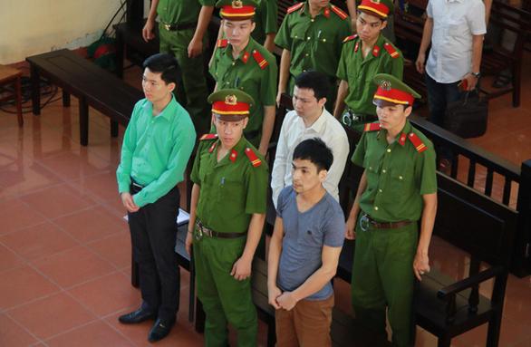 Xét xử bác sĩ Hoàng Công Lương: thêm bệnh nhân thứ 9 tử vong - Ảnh 1.