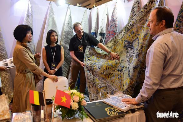 Hàng trăm thương hiệu châu Âu đổ bộ Việt Nam - Ảnh 1.