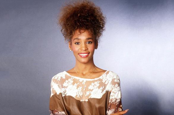 Phim tài liệu về diva Whitney Houston tiết lộ quá khứ ghê sợ - Ảnh 2.
