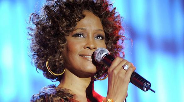 Phim tài liệu về diva Whitney Houston tiết lộ quá khứ ghê sợ - Ảnh 3.