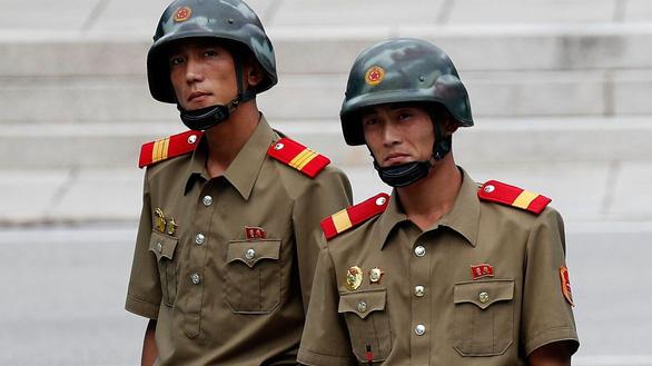 Một thiếu tá Triều Tiên cùng một người nữa đào tẩu sang Hàn Quốc - Ảnh 1.