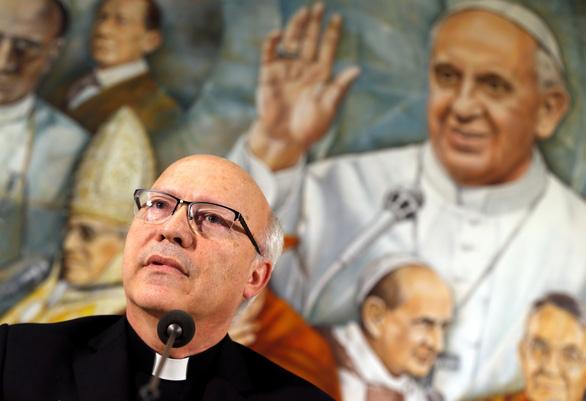 Tất cả giám mục ở Chile xin từ chức vì bê bối tình dục - Ảnh 1.