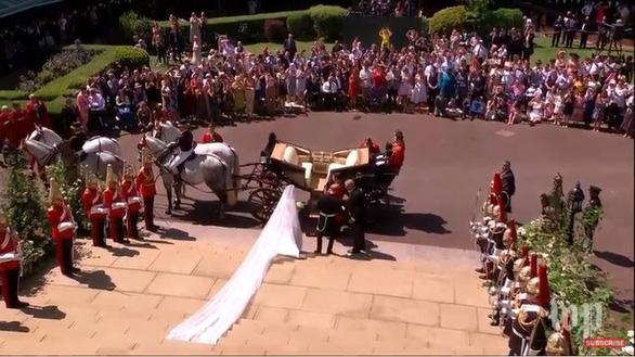Những khoảnh khắc đẹp nhất của đám cưới Hoàng gia - Ảnh 12.