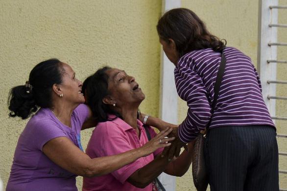 Bạo loạn nhà tù ở Venezuela, 11 người chết, 28 người bị thương - Ảnh 1.