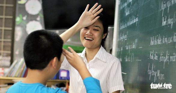 Cô giáo câm điếc Đào Thị Hồng và hành trình yêu thương không lời - Ảnh 3.