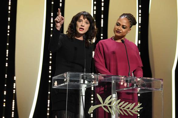 Asia Argento nhắc lại việc từng bị Harvey Weinstein hiếp ở Cannes - Ảnh 3.