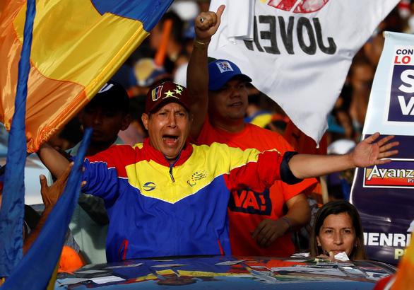 Bầu cử Venezuela: Tổng thống đương nhiệm đối đầu 2 ứng viên thân Mỹ - Ảnh 4.