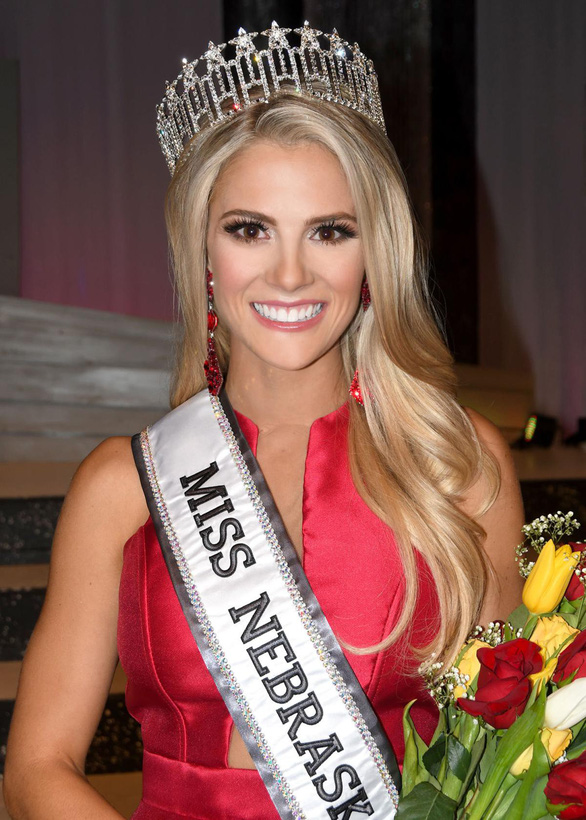 Cô gái 1m65 đăng quang hoa hậu Mỹ với phần thi ứng xử xuất sắc - Ảnh 3.