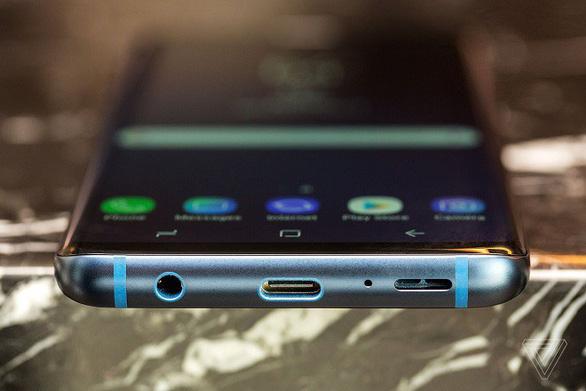 Smartphone mới ra mắt của Samsung chinh phục người dùng, từ thiết kế đến camera - Ảnh 4.
