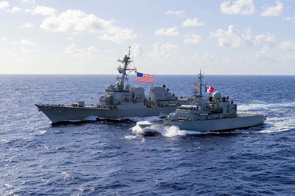 Học giả Mỹ: Trung Quốc quân sự hóa làm phức tạp tình hình Biển Đông - Ảnh 1.