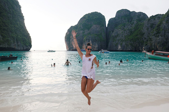 'Vịnh thiên đường' Thái Lan đóng cửa để phục hồi sinh thái - Ảnh 1.