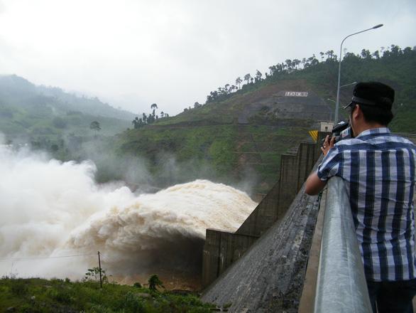 Lo thiếu nước sinh hoạt, Đà Nẵng đề nghị thủy điện đầu nguồn hạn chế phát điện - Ảnh 1.