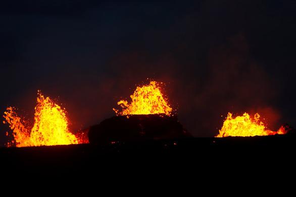 Núi lửa ở Hawaii bắt đầu thiêu cháy đầy cuồng nộ - Ảnh 5.