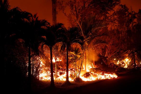 Núi lửa ở Hawaii bắt đầu thiêu cháy đầy cuồng nộ - Ảnh 3.
