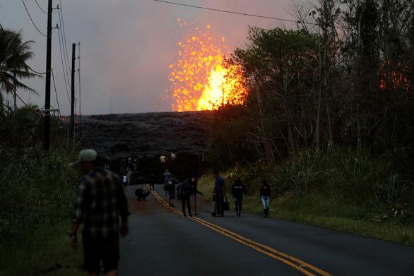 Núi lửa ở Hawaii bắt đầu thiêu cháy đầy cuồng nộ - Ảnh 4.